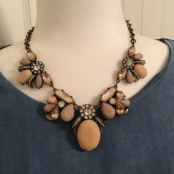 Jewelry - Antique-looking necklace in bronze and browns